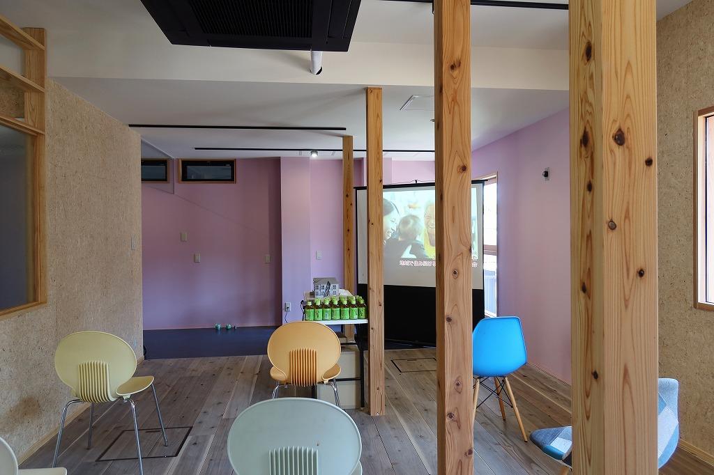これからカフェ、ランドリー(それぞれ別の事業者)が入る予定の1階のスペース