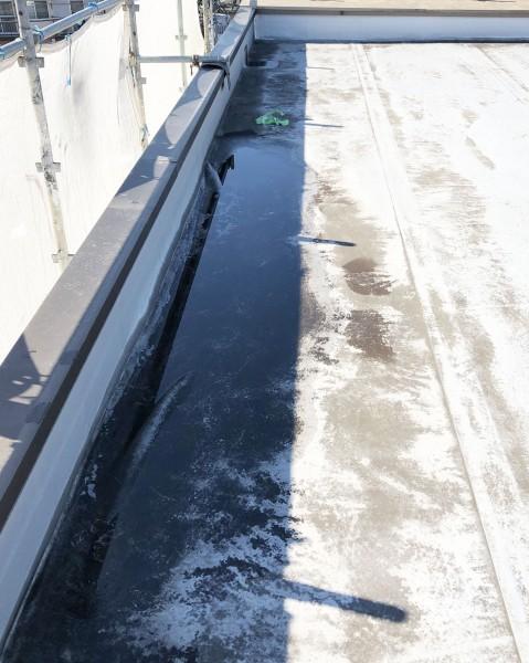 屋上防水の滞水状態