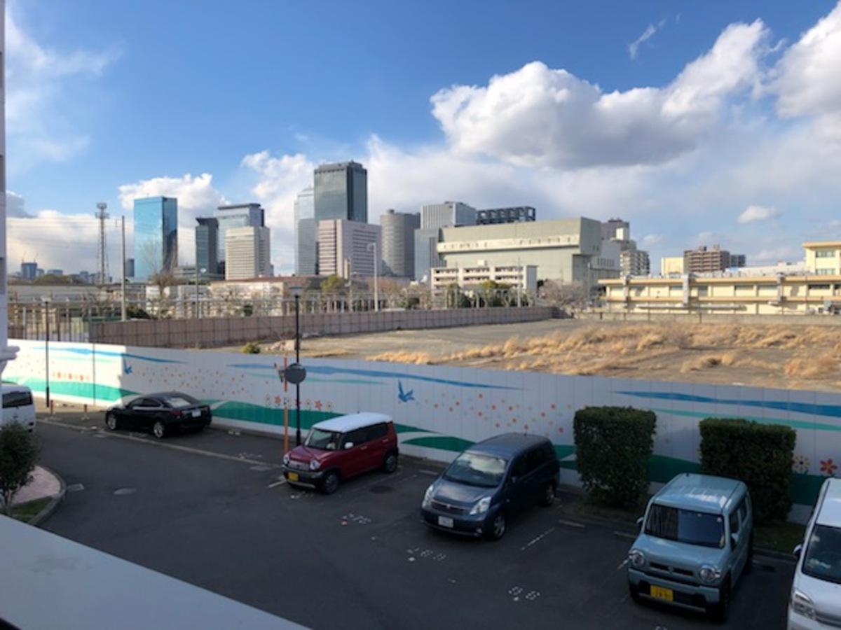 「大阪公立大学(仮称)」のメインキャンパス建設予定地。北西には大阪ビジネスパークのビル群も確認できる