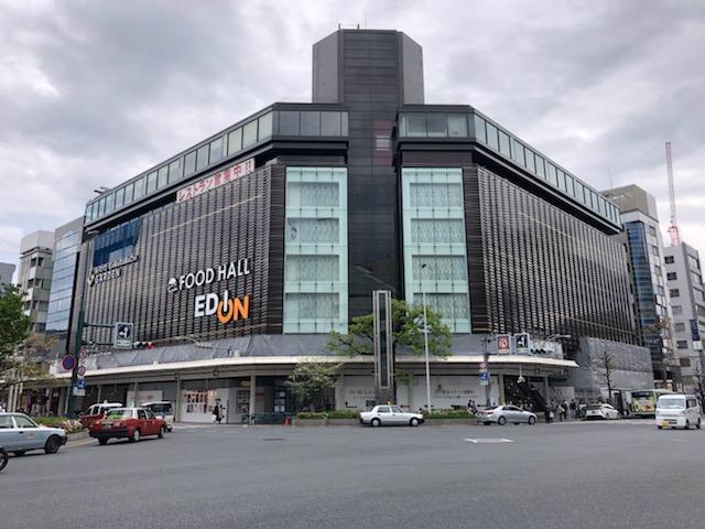 住友不動産が運営する「京都河原町ガーデン」は、四条河原町交差点に面した一等地にオープン。
