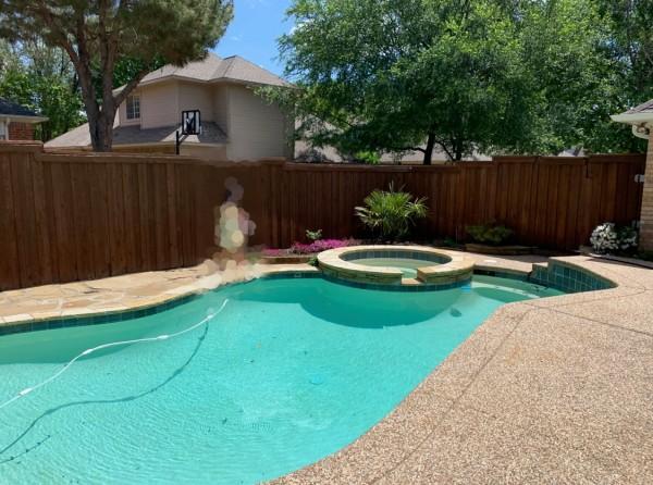 一年の半分の期間をプールで楽しめるテキサスでは、プール付き戸建てが人気